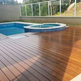 instalação de deck de madeira piscina
